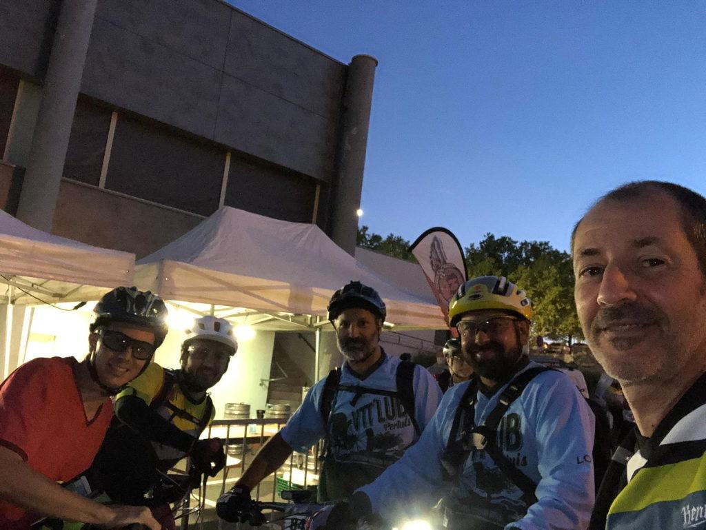 Les membres du club VTT LUB Pertuis au départ de la 4ème édition de la Bike and Beer ! :-)